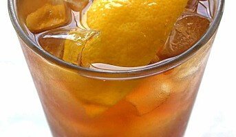 Kontinental bar: Fish House Punch