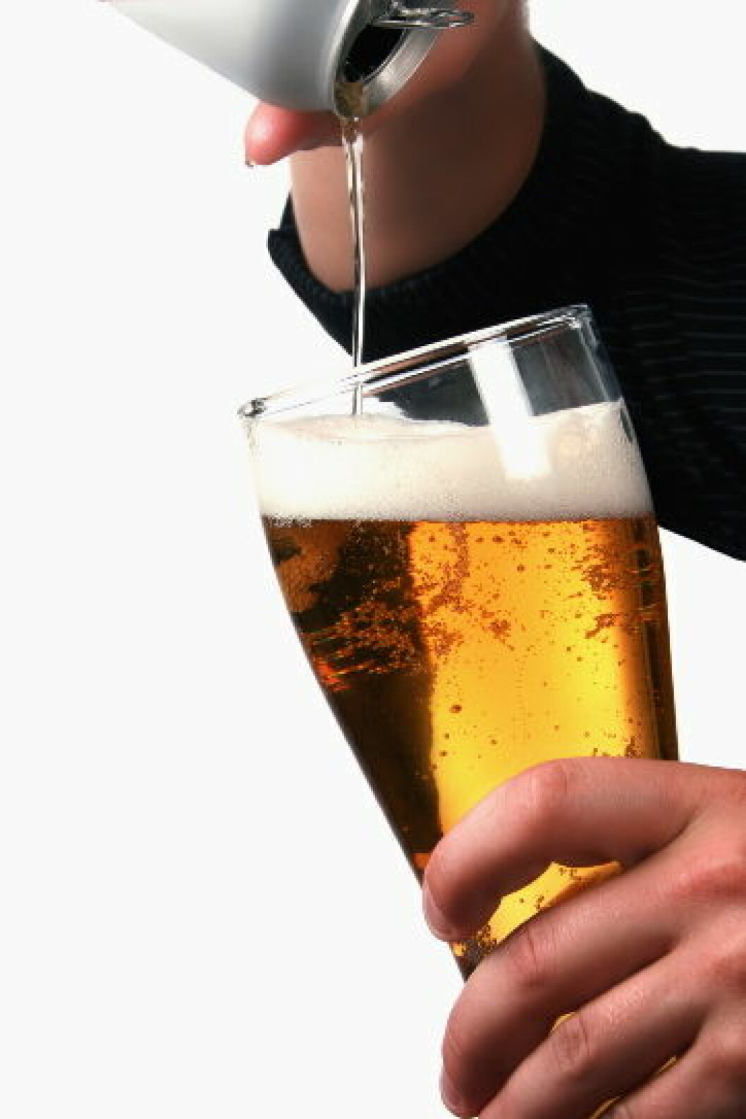 Servering alkohol ølillustrasjon COLOURBOX (1)