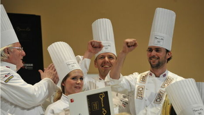 Ørjan Johannessen feirer seieren i Bocuse d'Or Europe 2012. (Foto: Impuls)