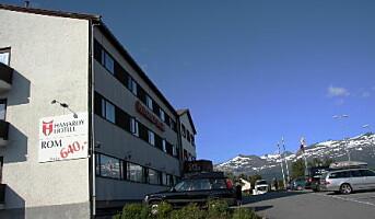 Gir seg på Hamarøy Hotell etter ni år