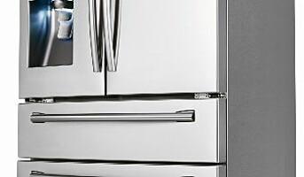 Kjøleskapet lager sprudlevann