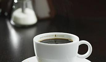 Åtte av ti nordmenn drikker kaffe på jobben