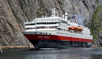Basefarm seiler med Hurtigruten