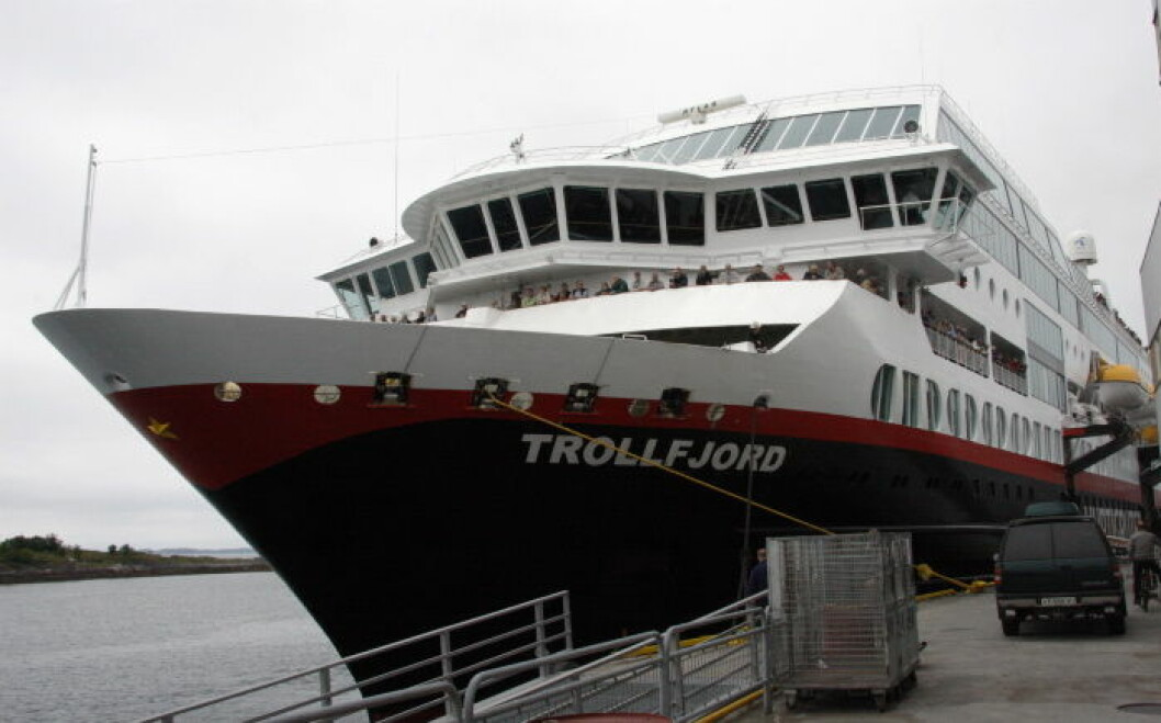 Hurtigruten Trollfjord3