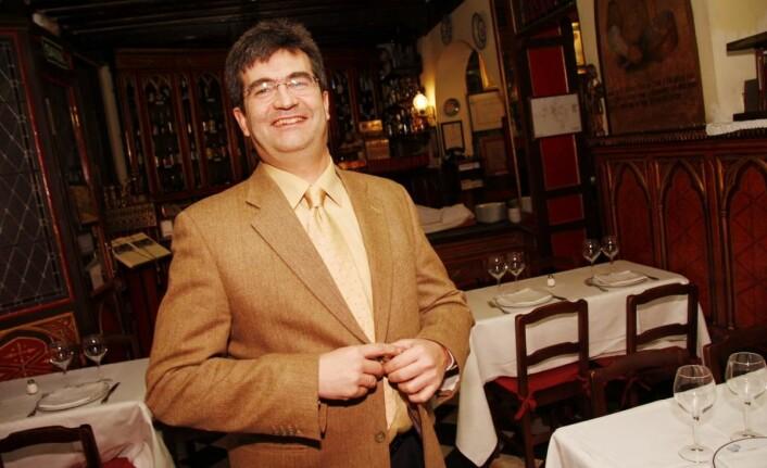 En av innehaverne av verdens eldste restaurant, Carlos Gonzalez. (Foto: Morten Holt)