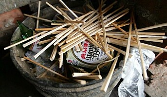 Må ta med spisepinner og redder 10.000 trær