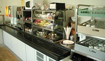 Velutrustet postkjøkken med pasientrestaurant