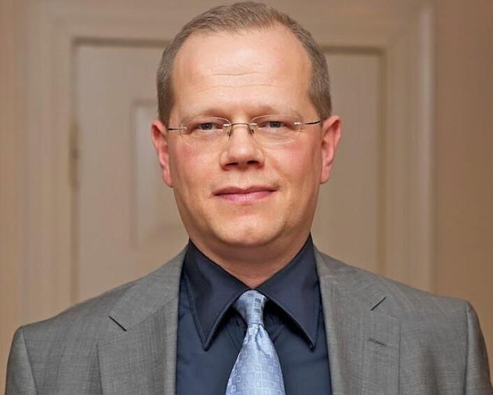 Hotelldirektør på Scandic Nidelven, Kjetil Vassdal, takker i første rekke sine ansatte etter at hotellet torsdag kveld vant publikumsprisen i Grand Travel Awards.