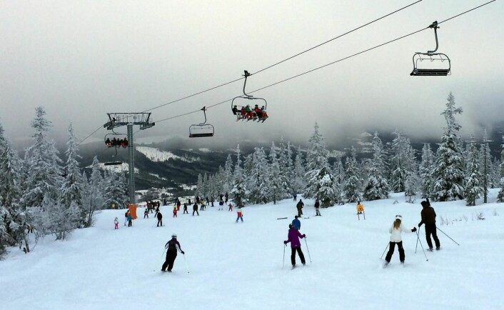 Denne uka er alpinbakker over hele landet fylt opp med vinterferieturister. Her fra Trysilfjellet. (Foto: Morten Holt)