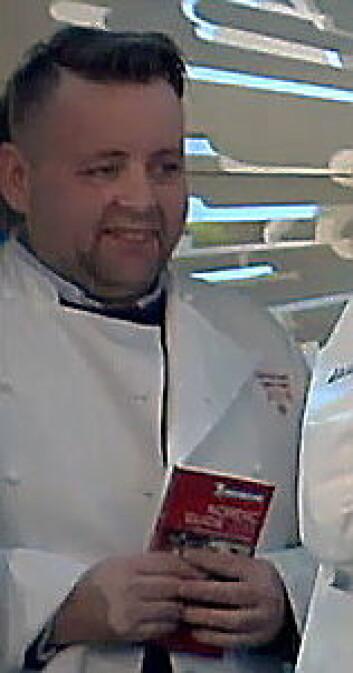 Det var en tydelig fornøyd Sven Erik Renaa som i dag mottok sin første Michelin-stjerne. (Printscreen)