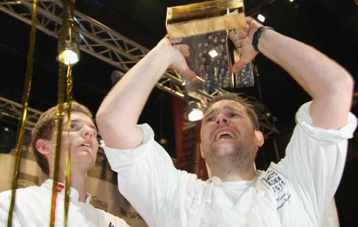Christopher W. Davidsen vant Årets kokk i 2015, og ble dermed Norges Bocuse d'Or-kokk i 2016 og 2017. Til venstre commis Håvard Werkland. (Foto: Morten Holt)