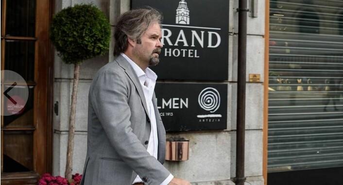 Atle Antonsen har hovedrollen i filmen Grand Hotel, som har premiere 8. april.