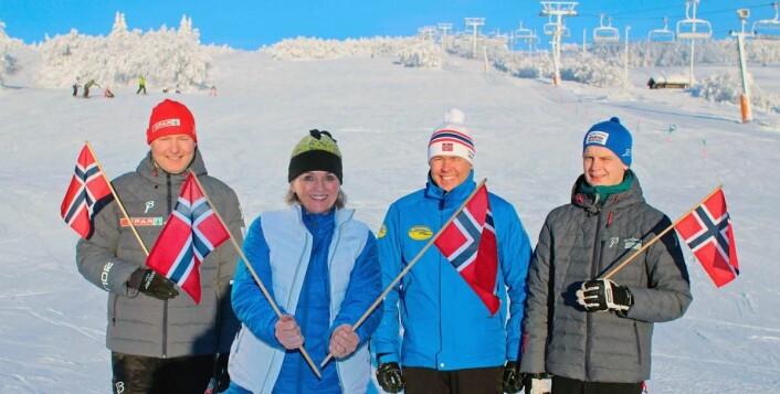 Det er fine dager for hele næringen på Beitostølen, som kan flagge for rekordomsetning stadig vekk. Her er fire ledere fra toneangivende bedrifter i fjellandsbyen. Fra venstre SPAR-kjøpmann Arne Grønolen, daglig leder Tone Greni (Tone Greni Hud&MakeUp), direktør Atle Hovi (Beitostølen Resort), og daglig leder Asgeir Larsen (Sporten Beitostølen). (Foto: DestinasjonsKirurgene)