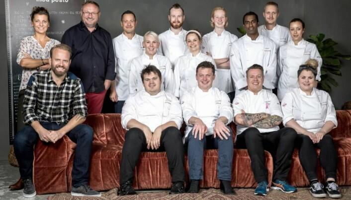 Alle deltakerne og dommerne i Top Chef 2016. (Foto: Top Chef/TV2)