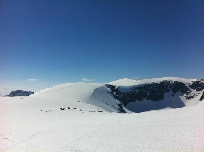 Fra Rasletind mot Kalvehøgda. (Foto: Morten Holt)