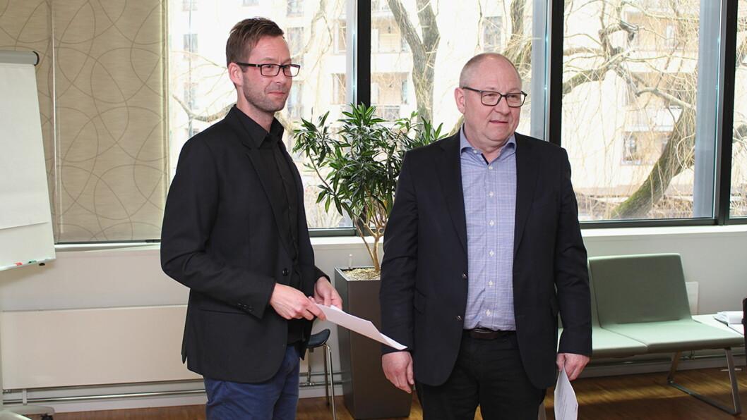 Konflikt: Fellesforbundets forhandlingsleder Clas Delp (til venstre) og NHO Reiselivs forhandlingsleder Jostein Hansen ved kravutvekslingen i mars. Partene kom ikke til enighet i den tvungne meklingen.