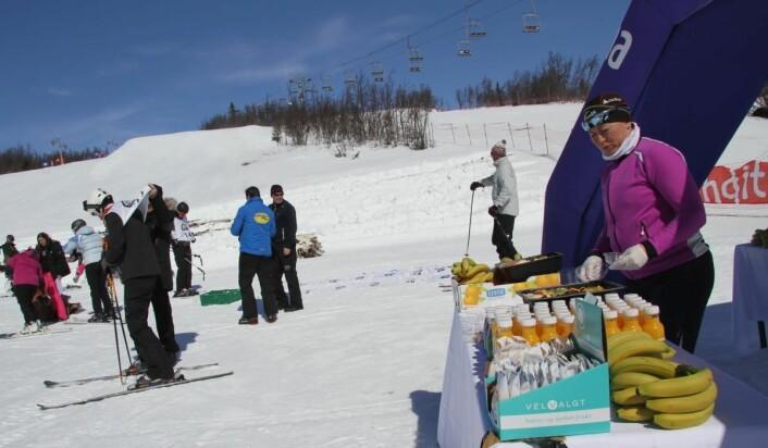 Line Onstad fra Bama storkjøkken sørget for at deltakerne fikk i seg den næringen de trengte. (Foto: Morten Holt)