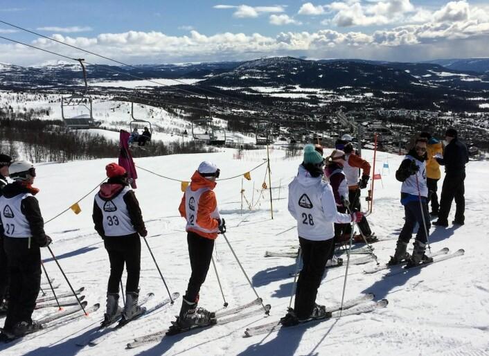Klare for start, deriblant Shawn Carivau (27), Marit Grønvold (33), Fredrik Rudi Kristiansen (32), Jannicke H. Lorentzen (28) og Benjamin Schofield (til høyre). (Foto: Morten Holt)
