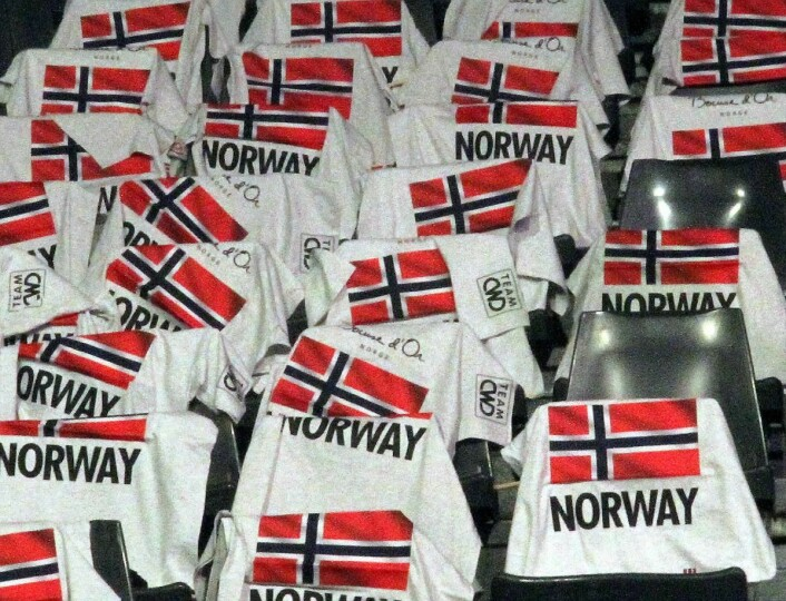 Norske fan-t-skjorter klar for bruk. (Foto: Morten Holt)