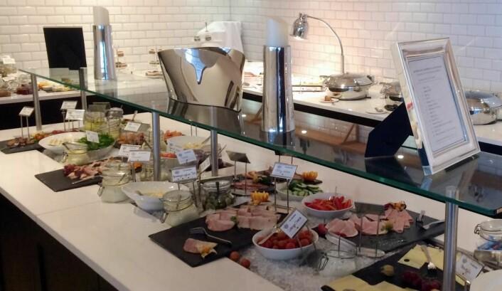 Frokostbufeen på Støtvig Hotel. (Foto: Morten Holt)