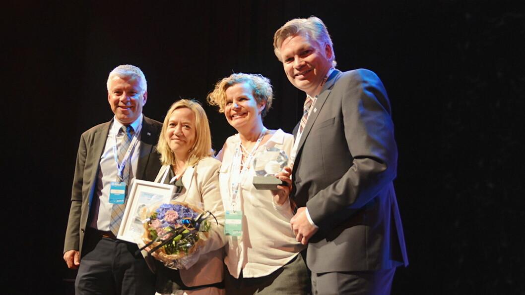 Annette Gjerstad og Hege Skogli Svendsen fra Norrek, her med innkjøpsdirektør Morten Karlsen i NHO Reiseliv (t. v) og Øyvind Frich, leder av innkjøpsutvalget i NHO Reiseliv Innkjøpskjeden. (Foto: NHO Reiseliv)