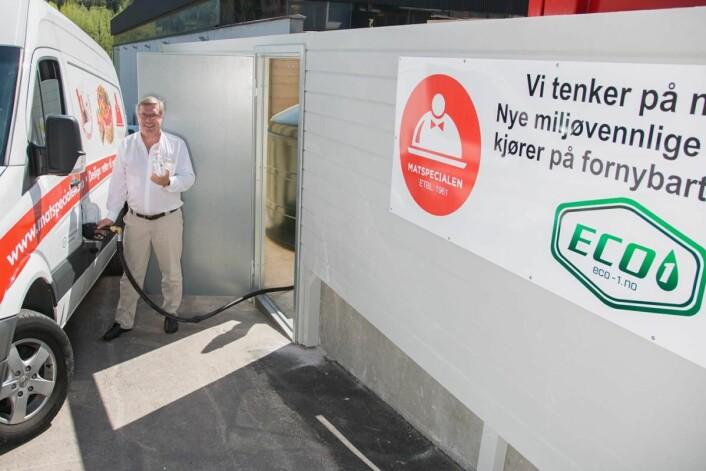 Alle bilene til Matspecialen går nå på fornybart drivstoff, melder daglig leder Jan Nielsen.