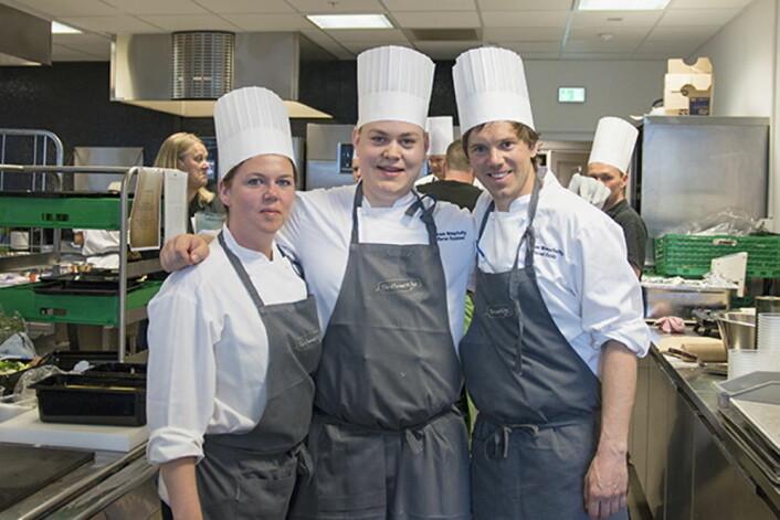 På andreplass kom «Team Simplicity» (Avd ConocoPh./Total). Laget bestod av Silje Seldal (fra venstre), Morten Dysjaland og Eivind Fjelde. (Foto: Compass Group)