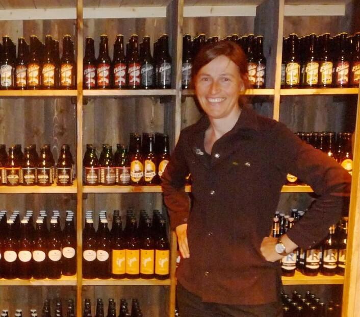 Hindsæter tilbyr over 60 forskjellige ølsorter - fra norske produsenter. (Foto: Hindsæter)