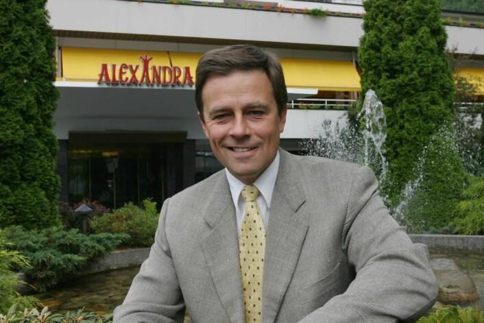 Mangeårig hotelldirektør på Hotel Alexandra, Richard Grov, er en av initiativtakerne til den nye pendelbanen. (Foto: Morten Holt, arkiv)