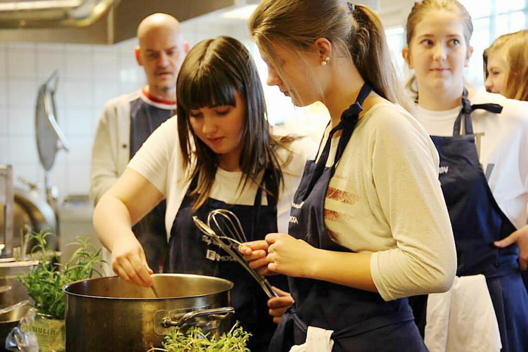 Nå skal rekrutteringen bli bedre til restaurant- og matfag. (Illuatrasjonsfoto: Arkiv)
