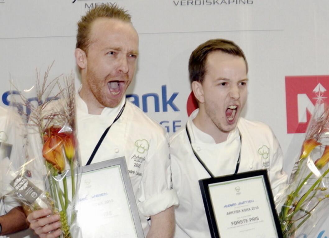 Både André Larsen (til venstre) og Anders Sletten er klare for finalen av Årets Sjømatkokk. Her er de to etter ha kapret sølv- og gullmedaljen i Arktisk Kokk i 2015. (Foto: Arktisk Kokk)