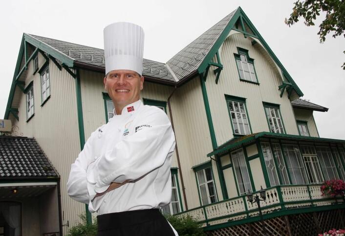 Svein Jæger Hansen er ikke bare kjøkkensjef på Scandic Meyergården i Mo i Rana. Han har også gått i bresjen for en rekke andre produkter. (Foto: Morten Holt)