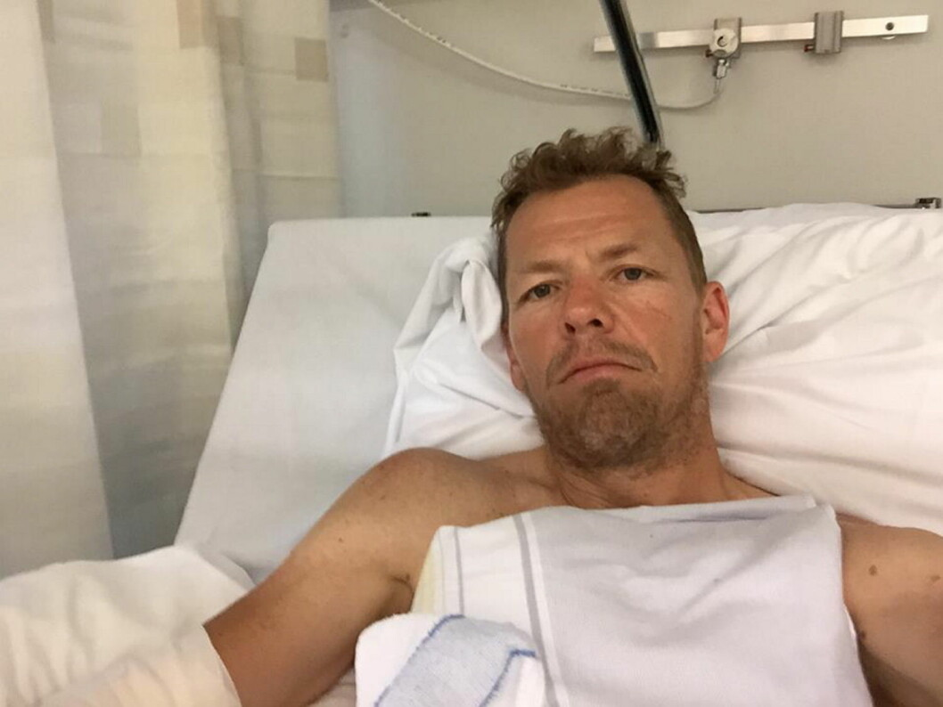 Odd Ivar Solvold i sykesenga på sykehuset etter trafikkulykken. (Foto: Odd Ivar Solvolds Facebook-side)