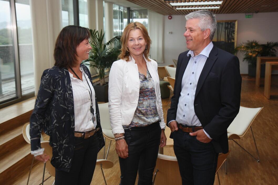 Kommunikasjonssjef Anne Marie Schrøder i Matvett (t. v), daglig leder Anne-Grete Haugen i Matvett og innkjøpsdirektør Morten Karlsen i NHO Reiseliv.