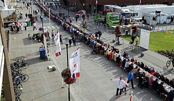 Verdens lengste frokostbord – i Bodø
