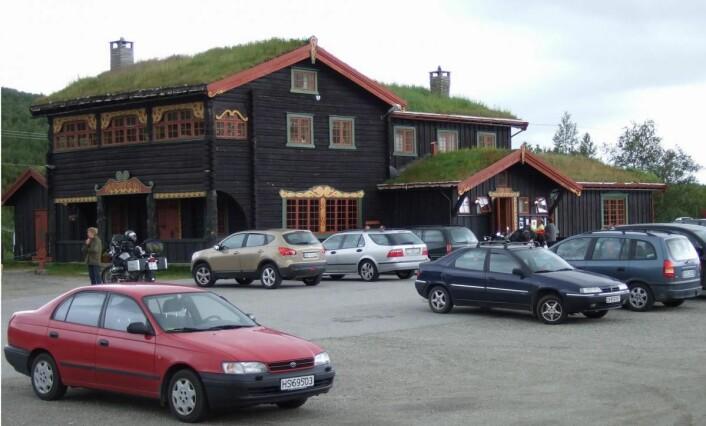 Sommermånedene er høysesong for Dovregubbens Hall på Dovrefjell.