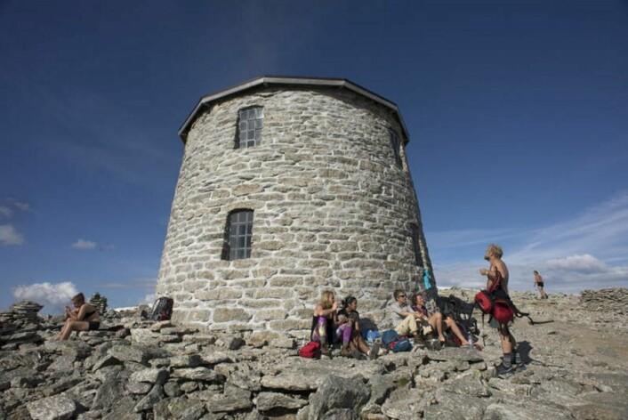 Kloumanstårnet, mer kjent som Skålatårnet, har stått i 125 år. (Foto: DNT)