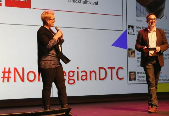 Heidi Sørvig mener årets Norwegian Digital Travel Conference blir den beste noensinne. Her på en tidligere konferanse. Samarbeidspartner Nick Hall til høyre. (Foto: Inge T. Dalen/USUS)