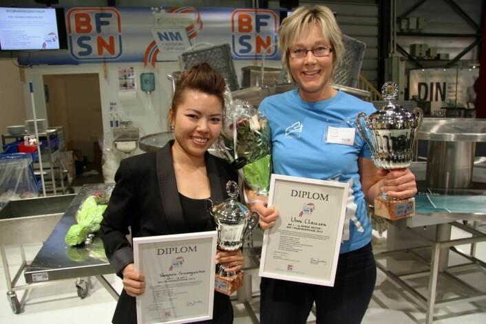 Unni Clausen (til høyre) fra Rica Stiklestad Hotel og Varaporn Seangwichai fra Mortens Kro tok henholdsvis gull og sølv i NM i maskinoppvask i 2014, sist gang mesterskapet ble arrangert. (Foto: Morten Holt)