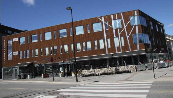 <em>Siris har strategisk plassering i et nytt bygg midt i Elverum sentrum. (Foto: Morten Holt)</em>