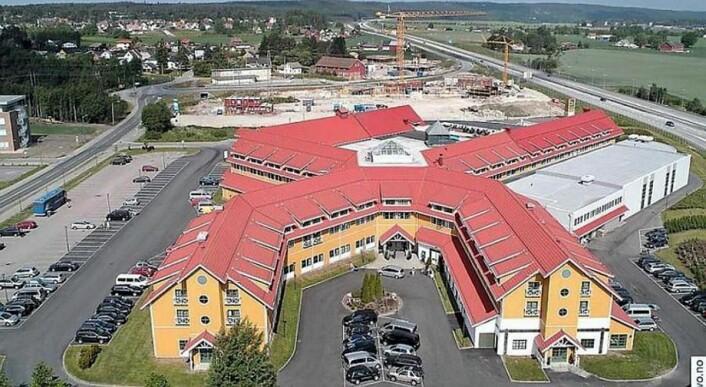 Quality Hotel Sarpsborg ligger på Grålum, like inntil E6. (Foto: Hotellet)
