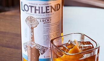 Drinker med Lothlend whisky
