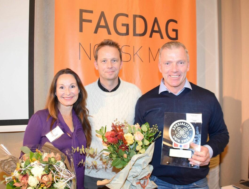 Frode Lippert og Monica Vinje sammen med Andreas Viestad under utdelingen av Spesialitet-merket.