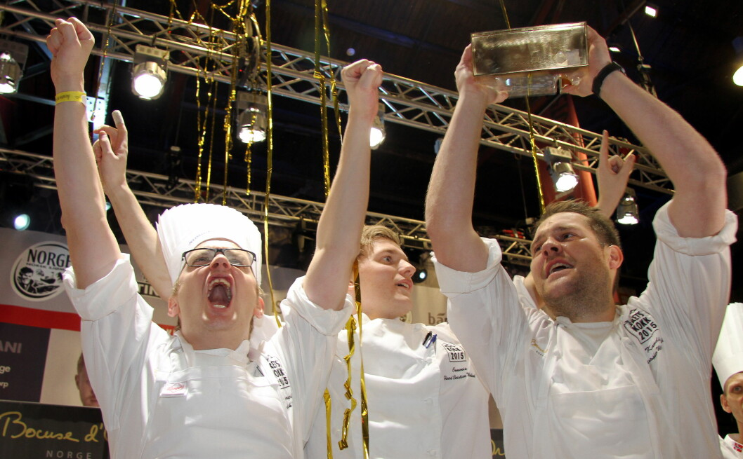 Christopher W. Davidsen og hans team jubler etter seieren i Årets kokk 2015. (Foto: Morten Holt)
