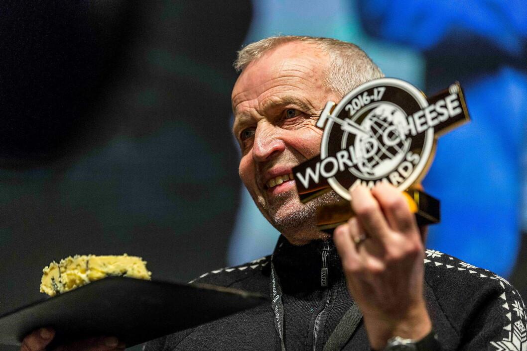 Verdens beste ost er norsk. Kraftkar fra Tingvollost vant i dag tittelen i «World Cheese Awards».