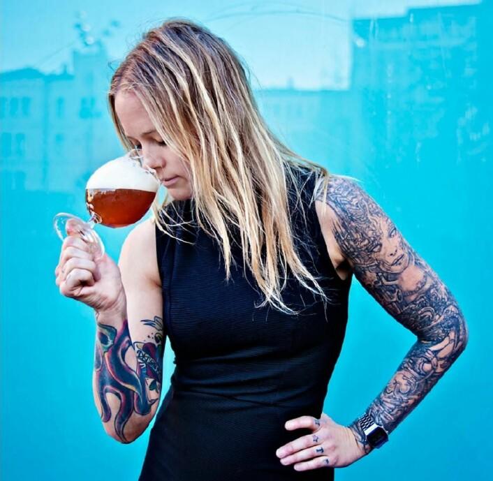 Linda Merete Skogholt er en av en hpndfull i Norge med tittelen «International Beer Sommelier».