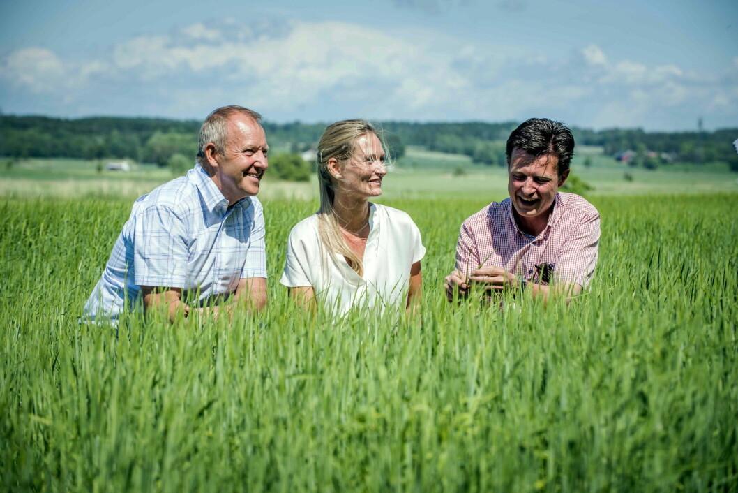 Med kjærlighet for tradisjoner og kvalitet, gründere og dyrkere av Duga byggkorn: Steinar Weel (fra venstre), Katrine Kerr Gammelsrød og Svein Bovim.