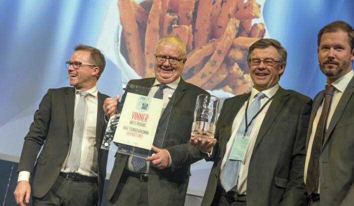 Søtpotet Fries fra Hoff Storhusholdning ble årets produkt. Fra venstre Harald Alveid, Kai Ulven, Svein Dystvold og Jonas W. Andersen. (Foto: Sjo & Floyd)