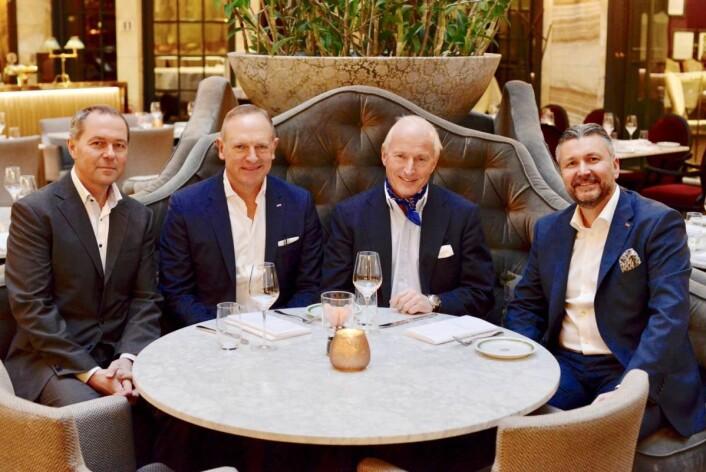 På plass på Grand Hotel. Fra venstre Helge Krogsbøl (Pandox), Frank Fiskers (konsernsjef Scandic), Christian Ringnes (Eiendomsspar) og Svein Arild Steen Mevold (administrerende direktør i Scandic Norge).