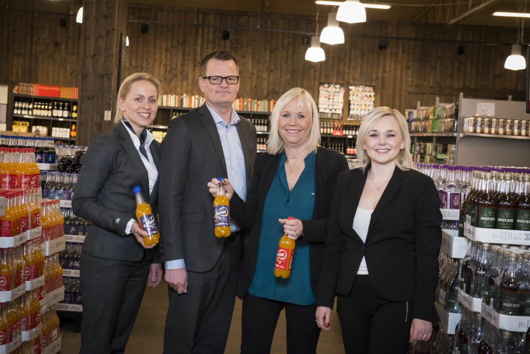 Jannicke Færden Berle, Terje Døsrønningen, Marianne Bergersen og Katrine Bergersen Klemp,(Foto: Katrine Lunke, Apeland)